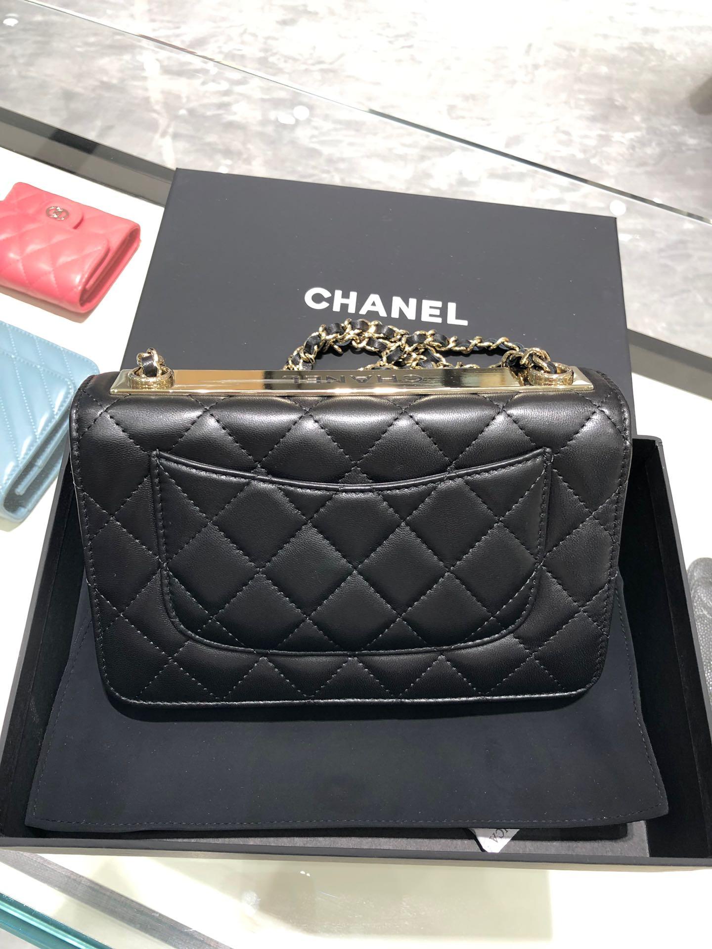 Chanel 香奈儿 WOC~铁片款 19cm 原厂皮小羊皮 黑色 香槟金