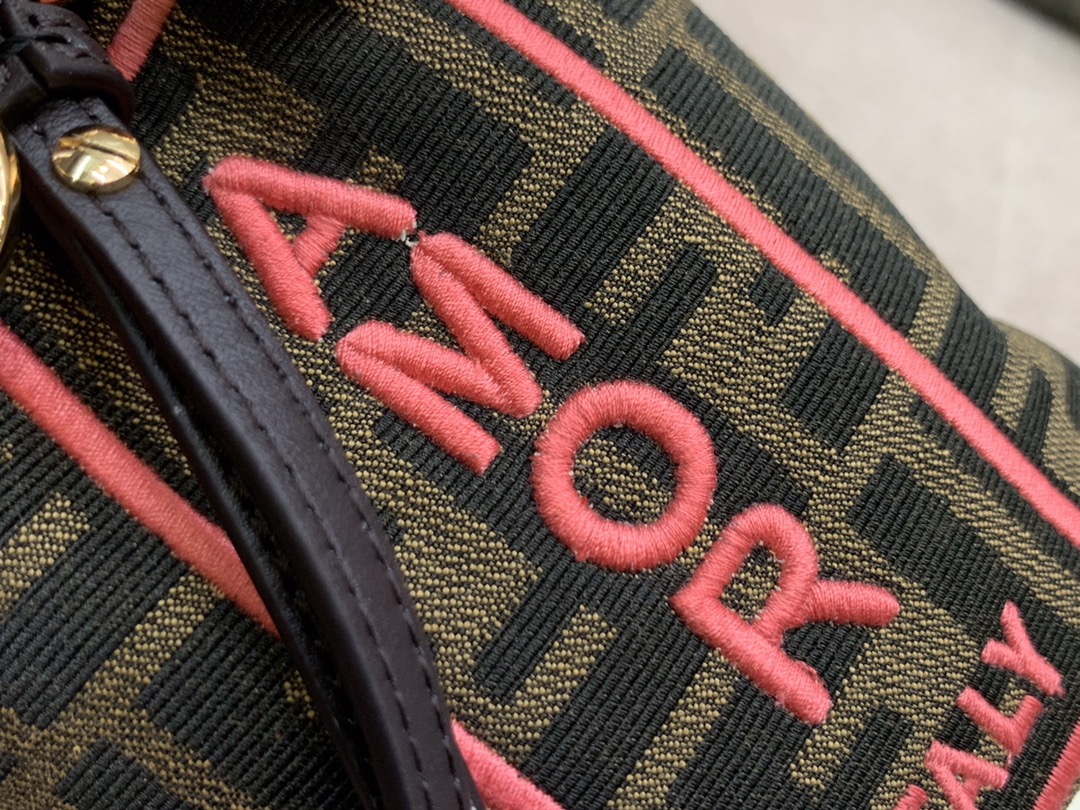 Mon Tresor 小号 水桶手袋 配有抽绳 F金属标志装饰 可单肩背或斜挎 18x12x10cm 5538