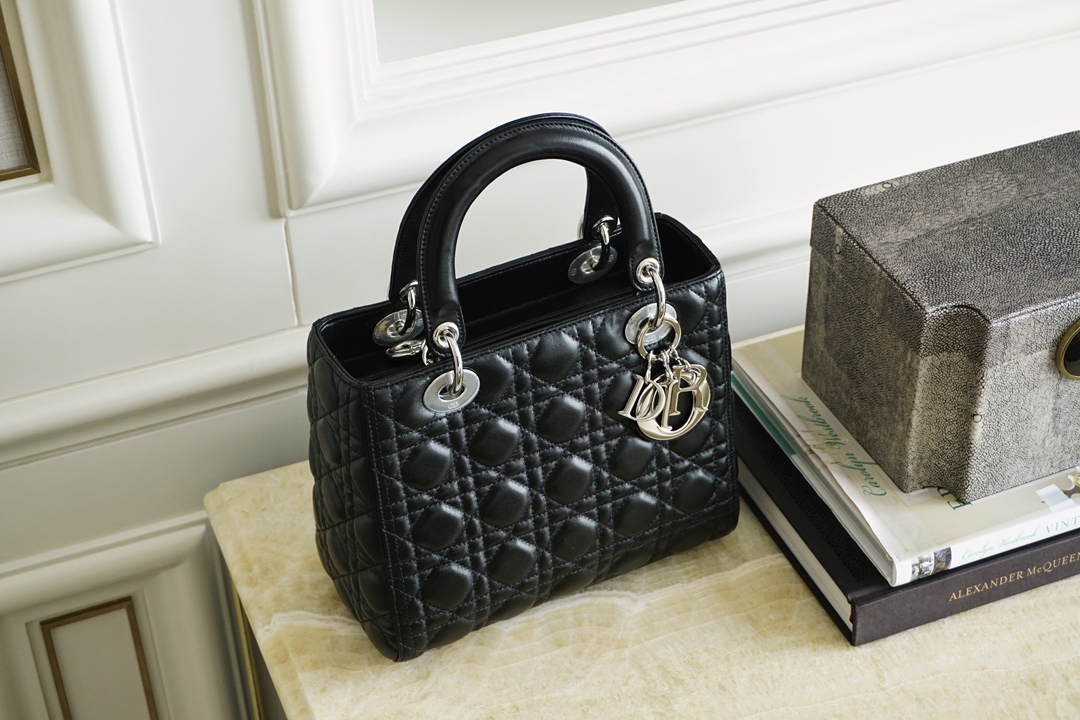 全新代购版 迪奥戴妃包 Lady Dior 五格 黑色银扣