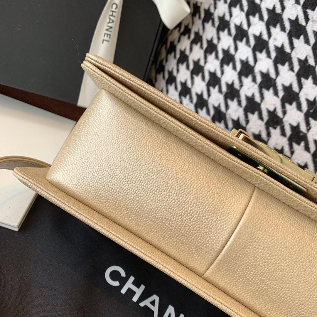 Chanel 香奈儿Leboy 法国原厂Haas小球纹鱼子酱牛皮 leboy 经典V格 25cm 金色浅金扣