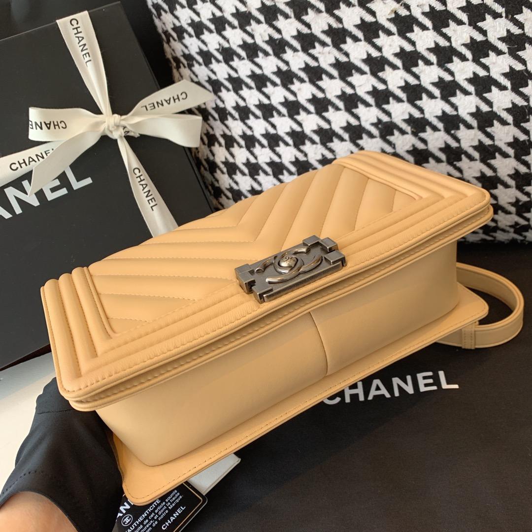 Chanel 香奈儿 法国原厂小羊皮leboy经典V格25cm 杏色古银扣