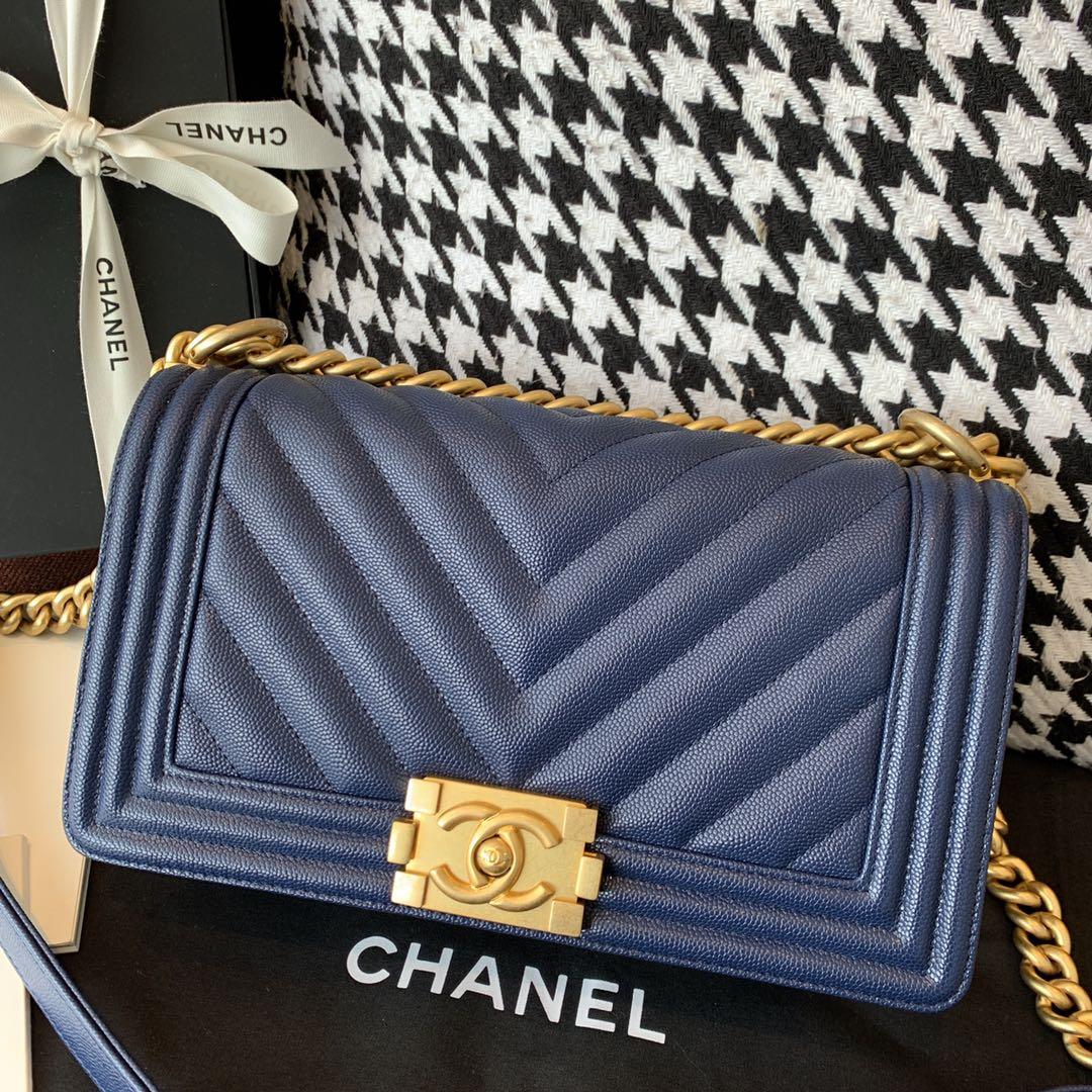 【正品级】 Chanelleboy 中号 法国原厂Haas小球纹鱼子酱牛皮 经典V格25cm 海军蓝沙金扣