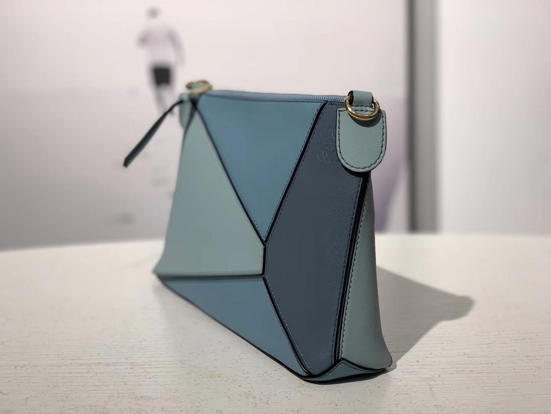 Loewe 罗意威 puzzle mini 斜挂小包 浅蓝