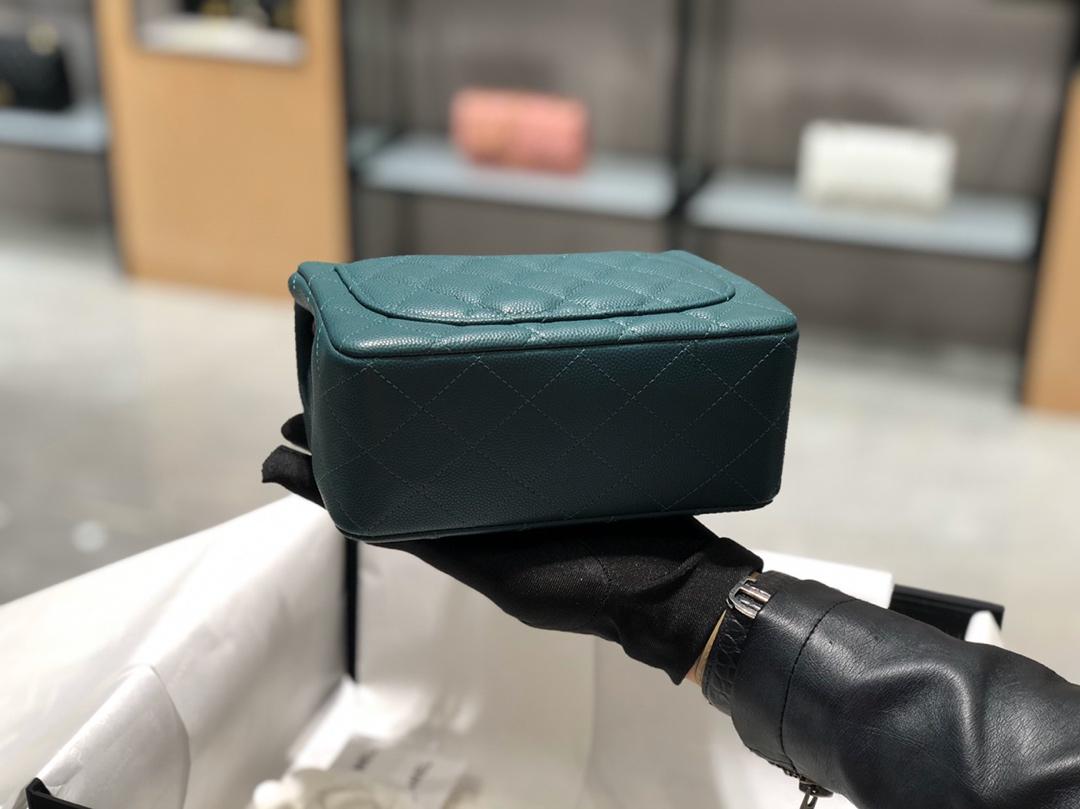 Chanel CF 法国原厂Haas球纹小鱼子酱牛皮 17cm 原厂皮 孔雀绿—银扣