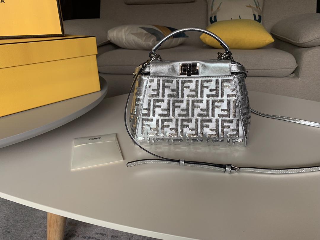 Peekaboo 手袋 饰有银色亮片 单手柄 最完美的品质 23cm 6802