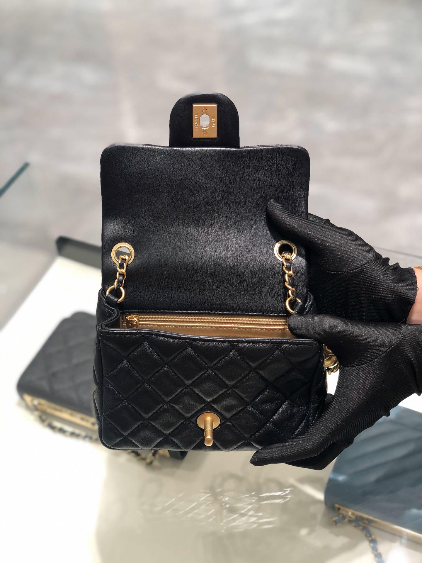 2020 超美金属球方胖子Chanel 13.18.7cm 保留经典 配上复古五金 超好看 黑色