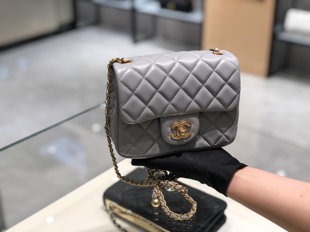 2020~超美金属球方胖子Chanel~尺寸13.18.7cm~保留经典~配上复古五金~超好看~灰色