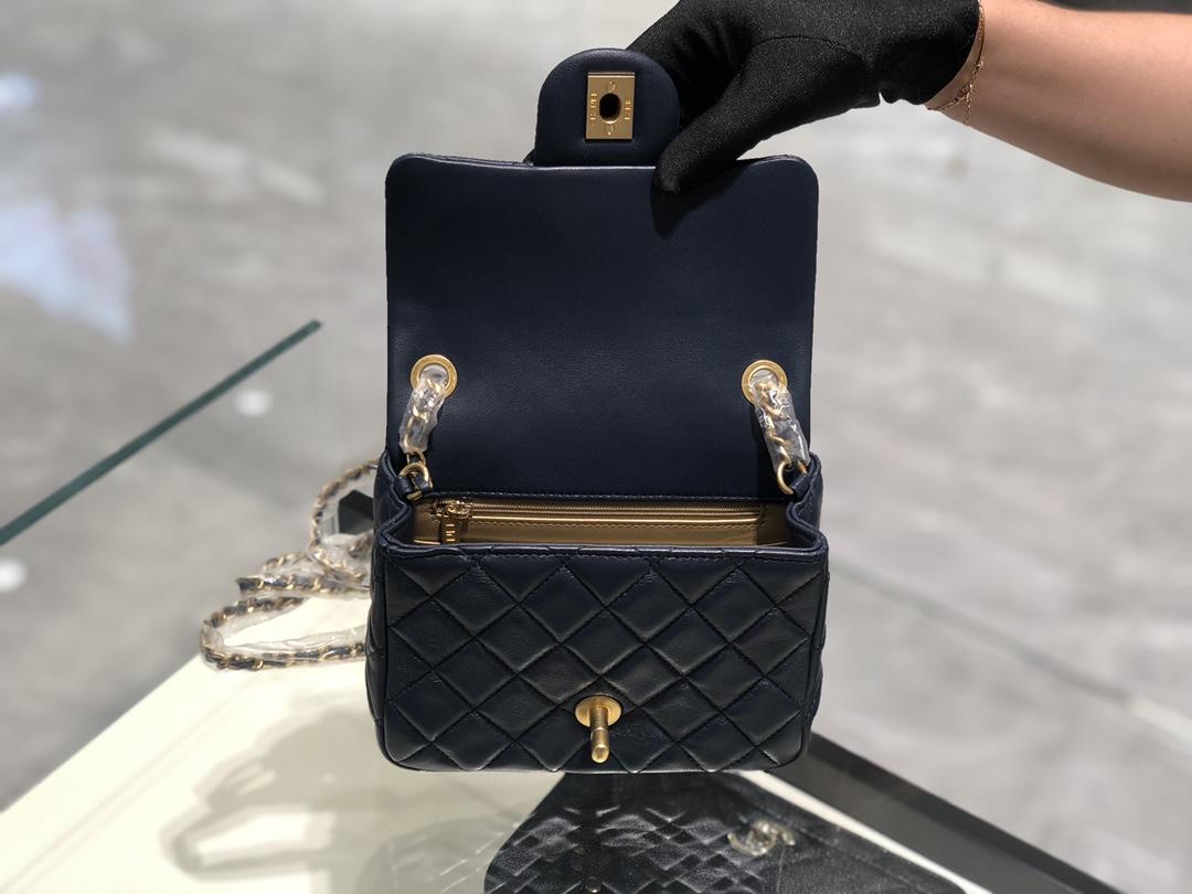 2020~超美金属球方胖子Chanel~尺寸13.18.7cm~保留经典~配上复古五金~超好看~宝石蓝