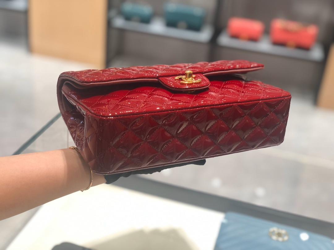 香奈儿包包批发【真品级】原厂《Classic Flap》代购版本 25cm~原厂皮漆皮~酒红色~金扣