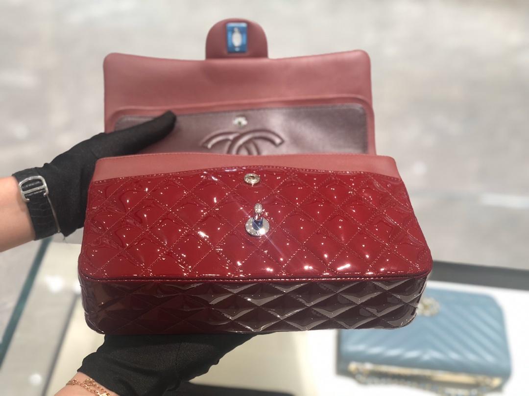 香奈儿包包批发【真品级】原厂《Classic Flap》代购版本 25cm~原厂皮漆皮~酒红色~银扣